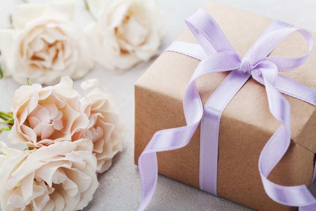 漂亮的禮物盒與玫瑰
