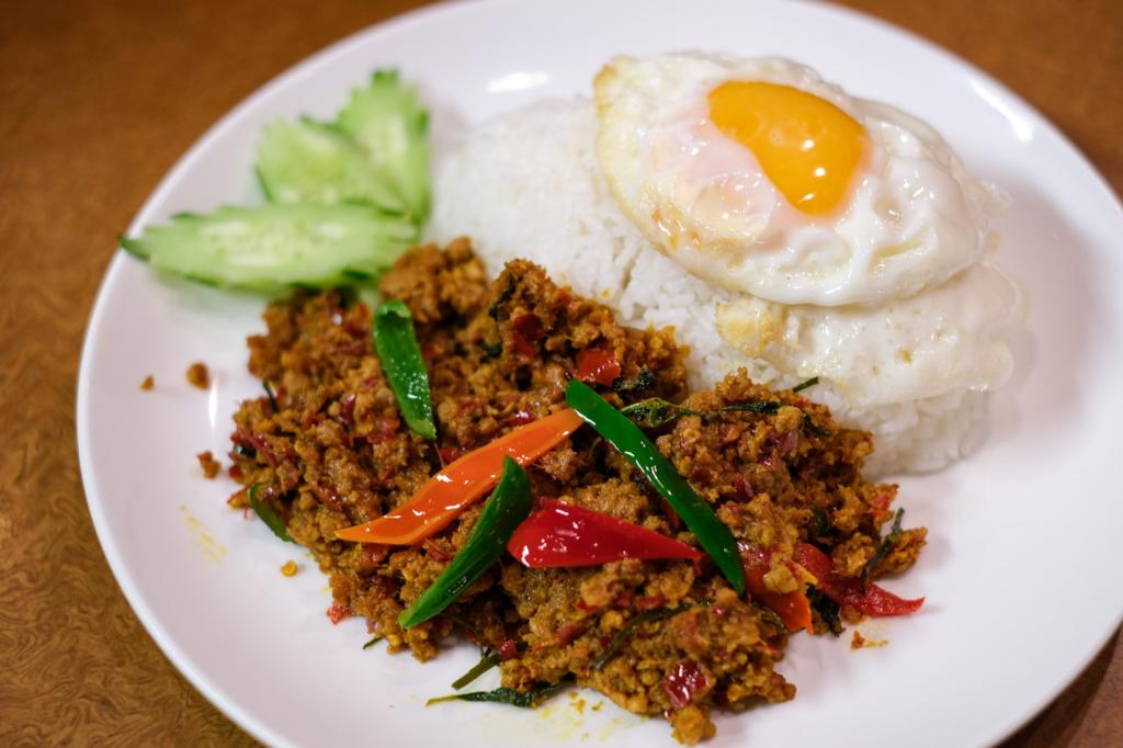 ร้านอาหารไทย soi 7 กะเพราหมู