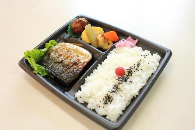 日本烤魚便當