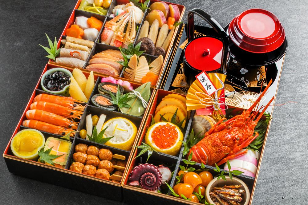hộp osechi ăn vào dịp năm mới ở Nhật