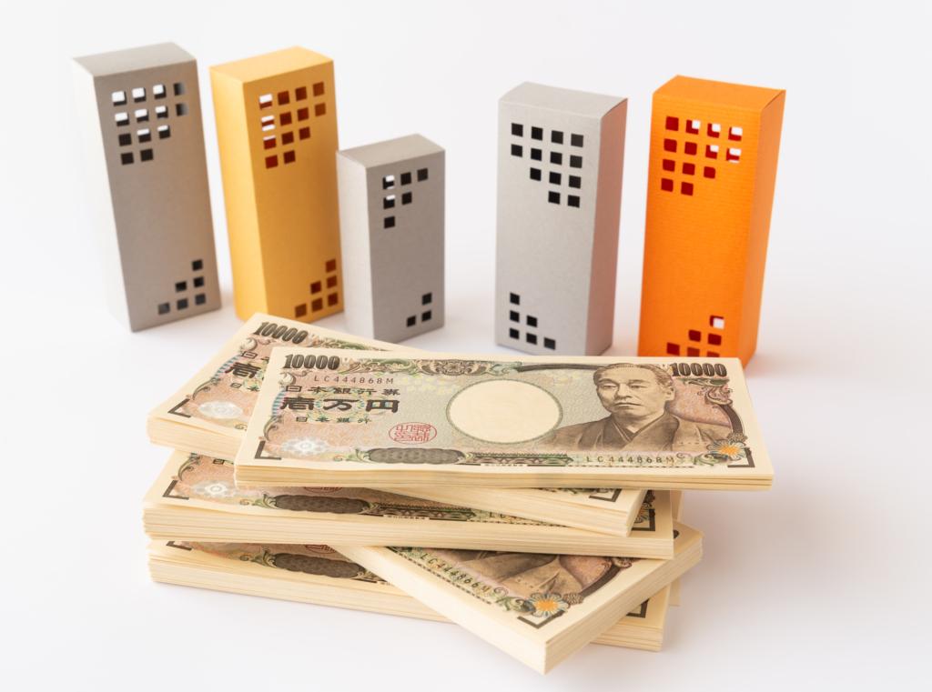 日本鈔票與大樓模型