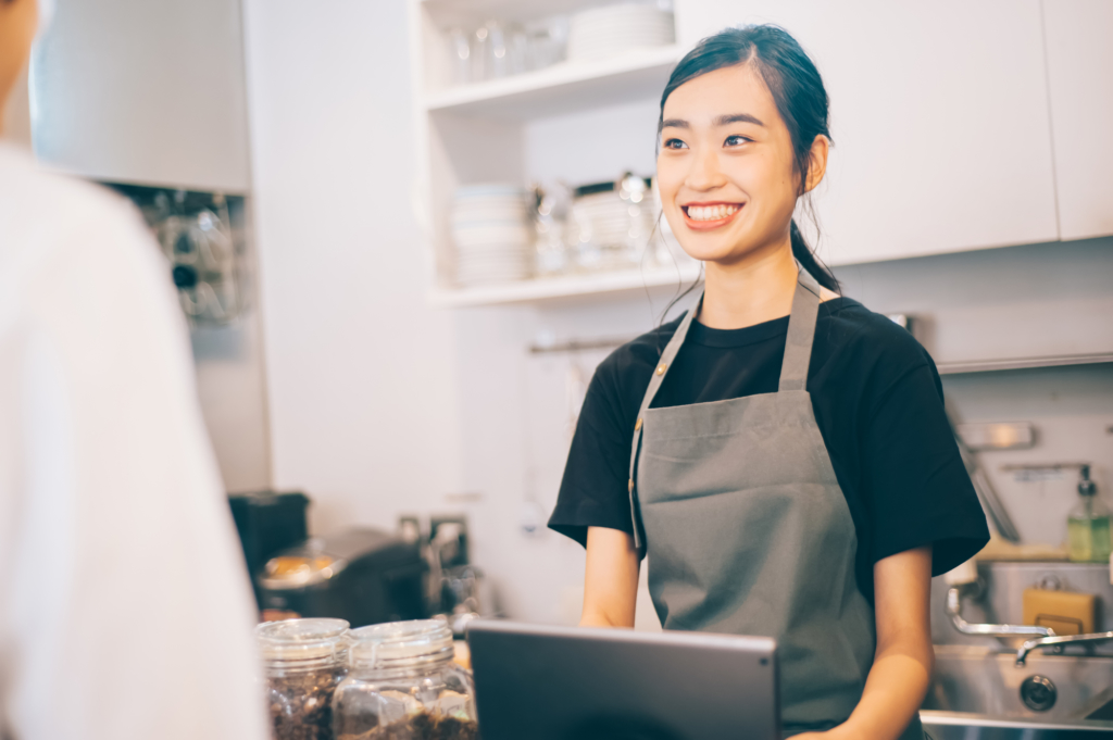 A female part-time worker at a cafe