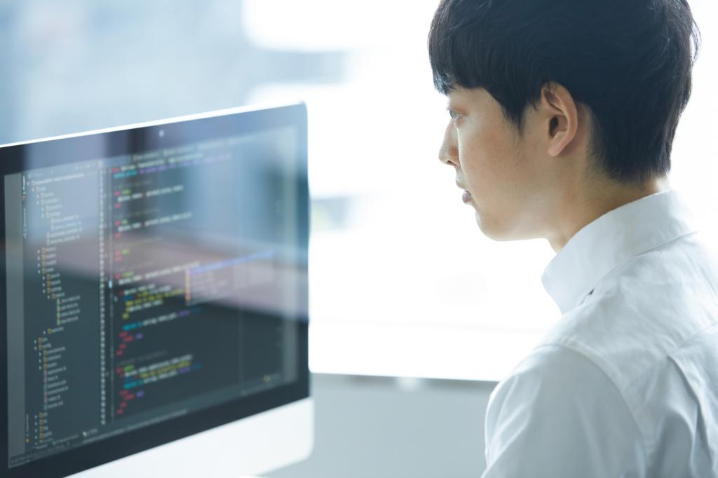 nhân viên làm việc tại công ty IT của nước ngoài tại Nhật