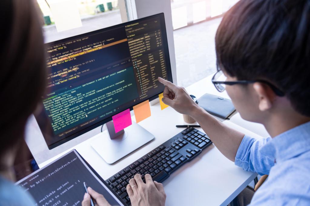 Nên thông ngôn ngữ lập trình nào để có thể làm việc ở Nhật?