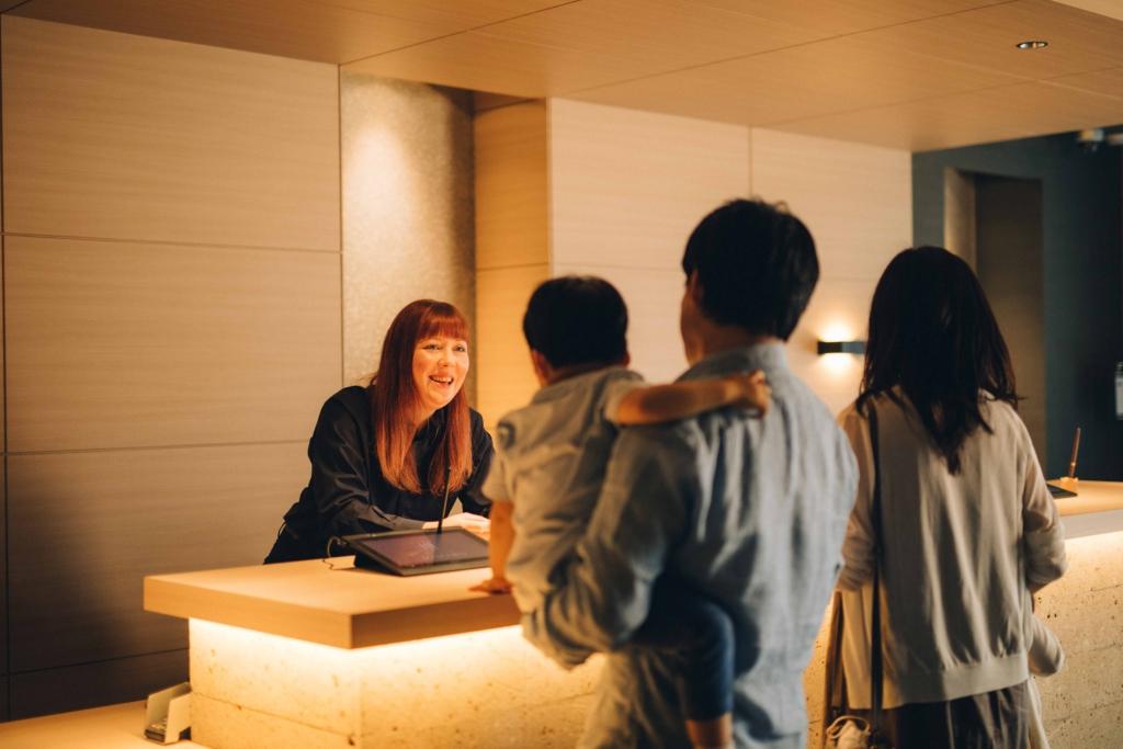 APARTMENT HOTEL MIMARU tuyển nhân viên lễ tân